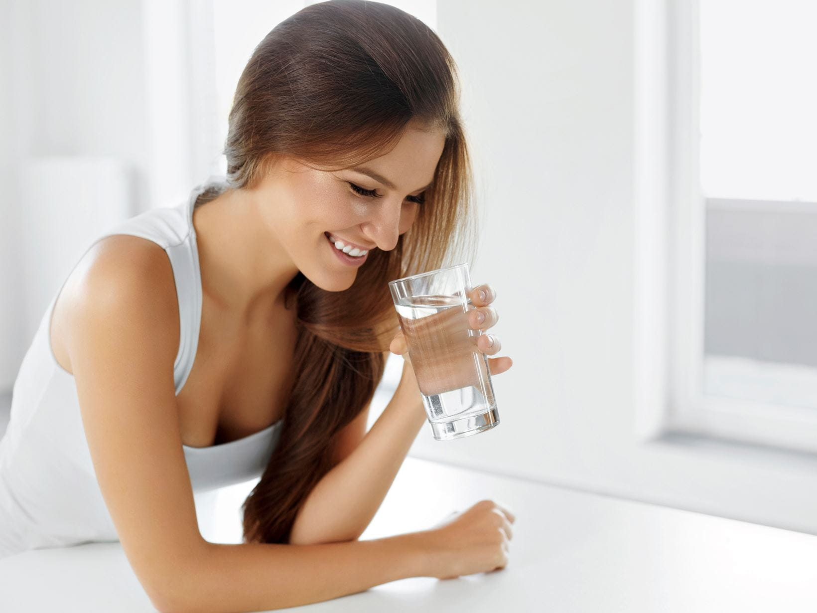 beautiful-woman-with-glass-of-water