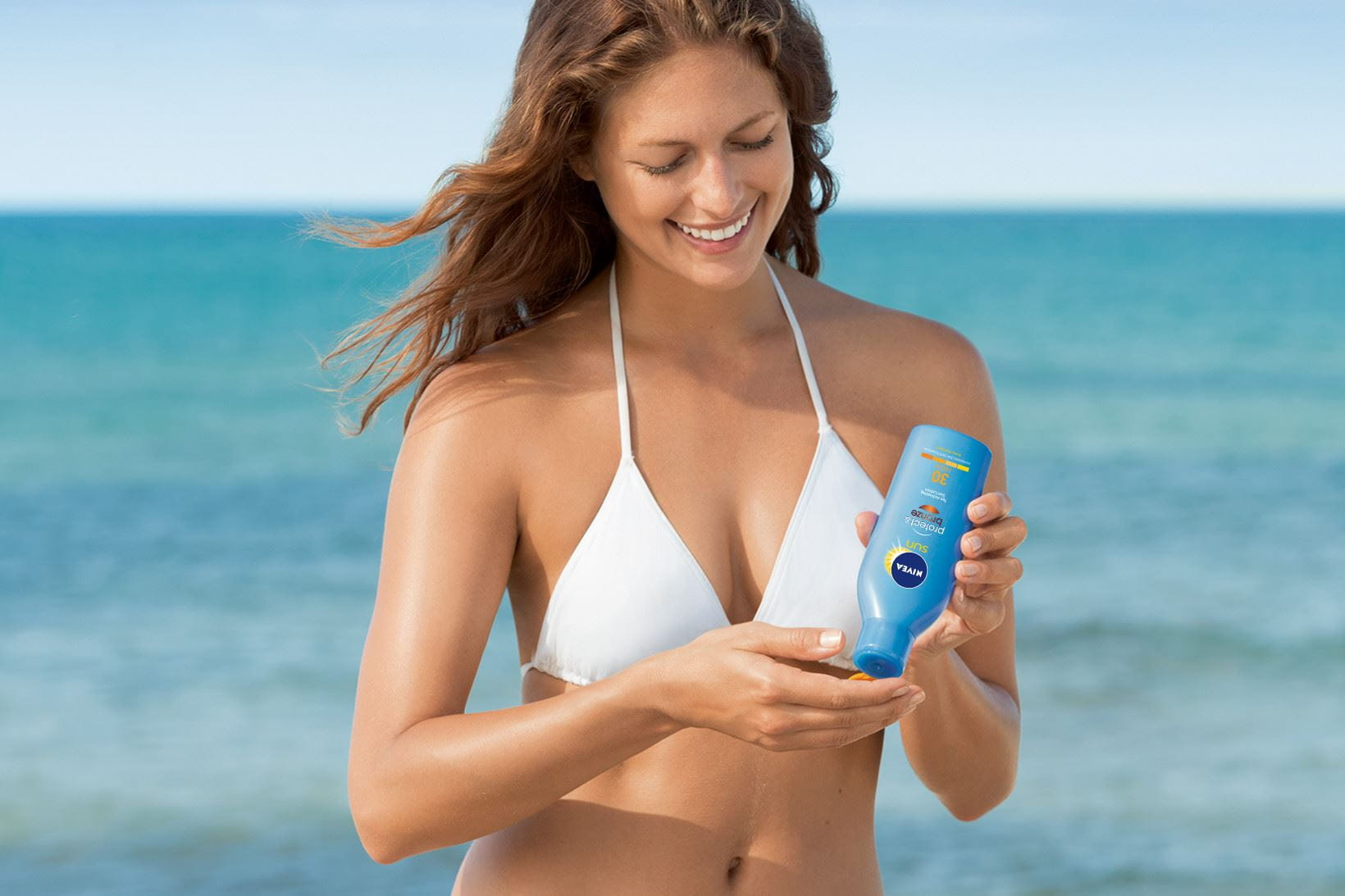 NIVEA SUN Protect & Bronze Tan Activating Protecting Oil gives you a beautiful, even tan